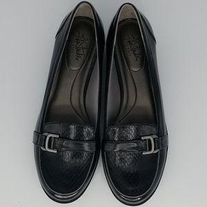 Life Stride Shoes - Life Stride Kelly Black Silver Buckle Loafer 8.5